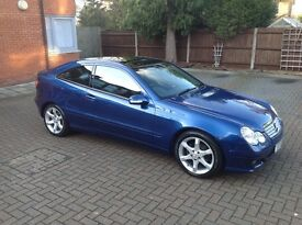 2007 (57) Mercedes-Benz C220 CDI Coupe Auto SE Blue. Panoramic Roof. 45,000 Miles.