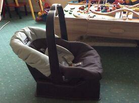 Mamas and papas car seat and base