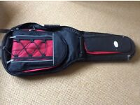 Soft shell gigging guitar case