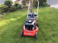 Rover petrol Self-propelled lawnmower. Briggs&Stratton 4.5HP Quantum power I/Cengine 21 inch 4:1 cut