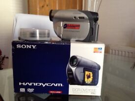 Sony handycam DCR-DVD v very good condition plus 10 DVD discs and carry bag