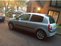 2004 Renault clio 1.2 for sale, great first time car, very cheap on petrol, mint condition.