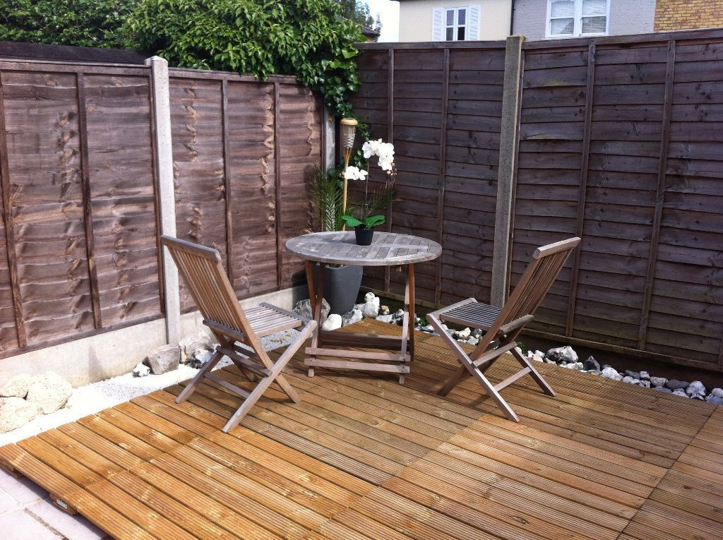 Garden furniture wooden table and chairs with umbrella for Outdoor furniture gumtree