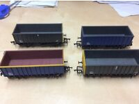 Hornby train collection with bridges and buildings