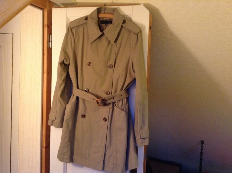 trenchcoat beige gr m in hessen darmstadt ebay kleinanzeigen. Black Bedroom Furniture Sets. Home Design Ideas