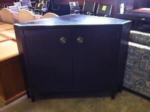 STAND A TV DE COIN (NEUF) - (NEW) CORNER TV STAND