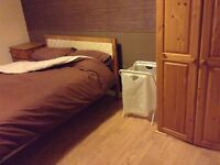 Lovely furnish double room in house share