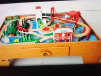ELC train table and train set