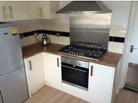 *Large Student Double Rooms Available in Swansea for 2017 - 18! High Standard! 4 rooms left!