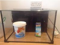 30 Litres Glass Fish Tank With supplies included. Great Condition.