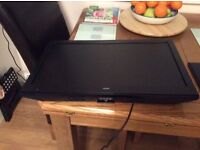 24inch bush tv/DVD combo black with stand and remote control