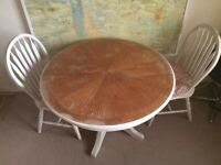 Round table & 4 chairs