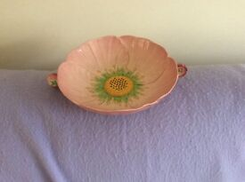 Carlton ware Australian design with sunflower/ daisy emblem in perfect condition no cracks or chips
