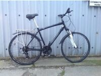 Giant Mens hybrid road commuter bike with all acessorys