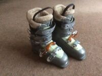 Solomon ski boots size 38 UK5