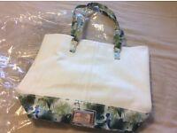 Ladies Lipsy London White Tote Bag Shoulder Handbag NEW