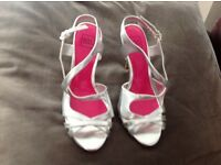 Sole diva silver sandals,size 6,never worn.