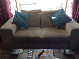 Cream 2/3 seat sofa
