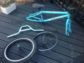 Diamondback bmx frame and wheels