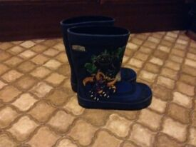 Boys skylander wellies size 11