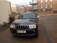 WOW!!!!!! CLASSIC 2005 4X4 GRAND CHEROKEE 3.0L with BRAND NEW TYRES & ITS INFLORECENT HEADLIGHTS