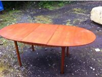 Mackintosh extending dining table