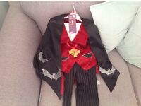 Kids Vampire Halloween costume 3-5 yrs old brand new