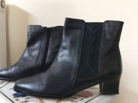 New Ladies Size 7 Black Leather Boots