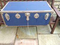 Storage trunk/ students/toys