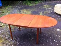 Mackintosh extending dining table in good condition