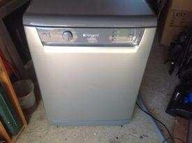 Silver hotpoint Dishwasher