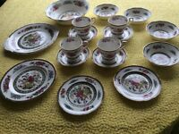 Paragon `Tree of Kashmir` bone china tea set, 17 pieces