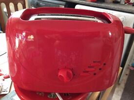 Wilko red toaster, very good condition