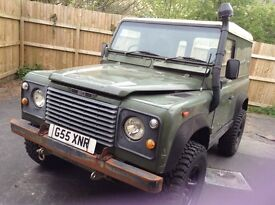 Land Rover 90 300 TDI and Gearbox Hard Top