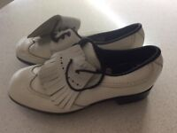 Ladies White Golf Shoes size 6