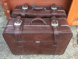 2 x Large old suitcases ( 2 for £20)