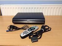 SKY + HD BOX 500 GB HARD DRIVE DRX890WL WITH REMOTE CONTROL