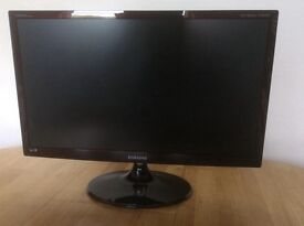Samsung 24 inch tv/monitor full hd + built in freeview tuner