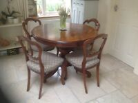 Table and 4 chairs - Antique