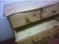 Chest of Drawers -- 5+2 Wooden Drawers (Pine)