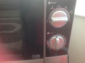Microwave oven Morphy Richards 800 watt E category £30 good condition