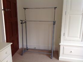 Double hanging rail