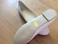 Ivory flat wedding shoes size 7