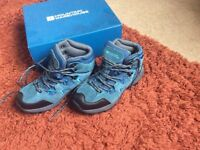 Mountain Warehouse walking boots size 4 as new