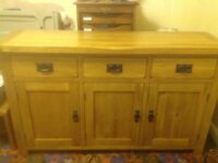 Solid oak 3 drawer sideboard. Excellent condition