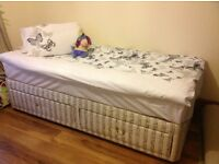 Single bed with 2 drawersress