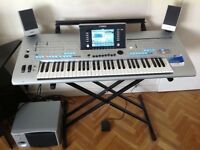 YAMAHA TYROS 4 PROFESSIONAL ARRANGER WORKSTATIONS KEYBOARD- UK with stand