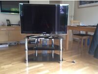 Superb Samsung 40inch 3D TV, Blu Ray player, TV Stand and 3D videos