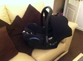 Maxi cosi cabriofix newborn car seat