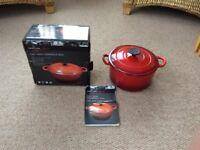 Casserole dish Crofton 4 litre cast iron Red
